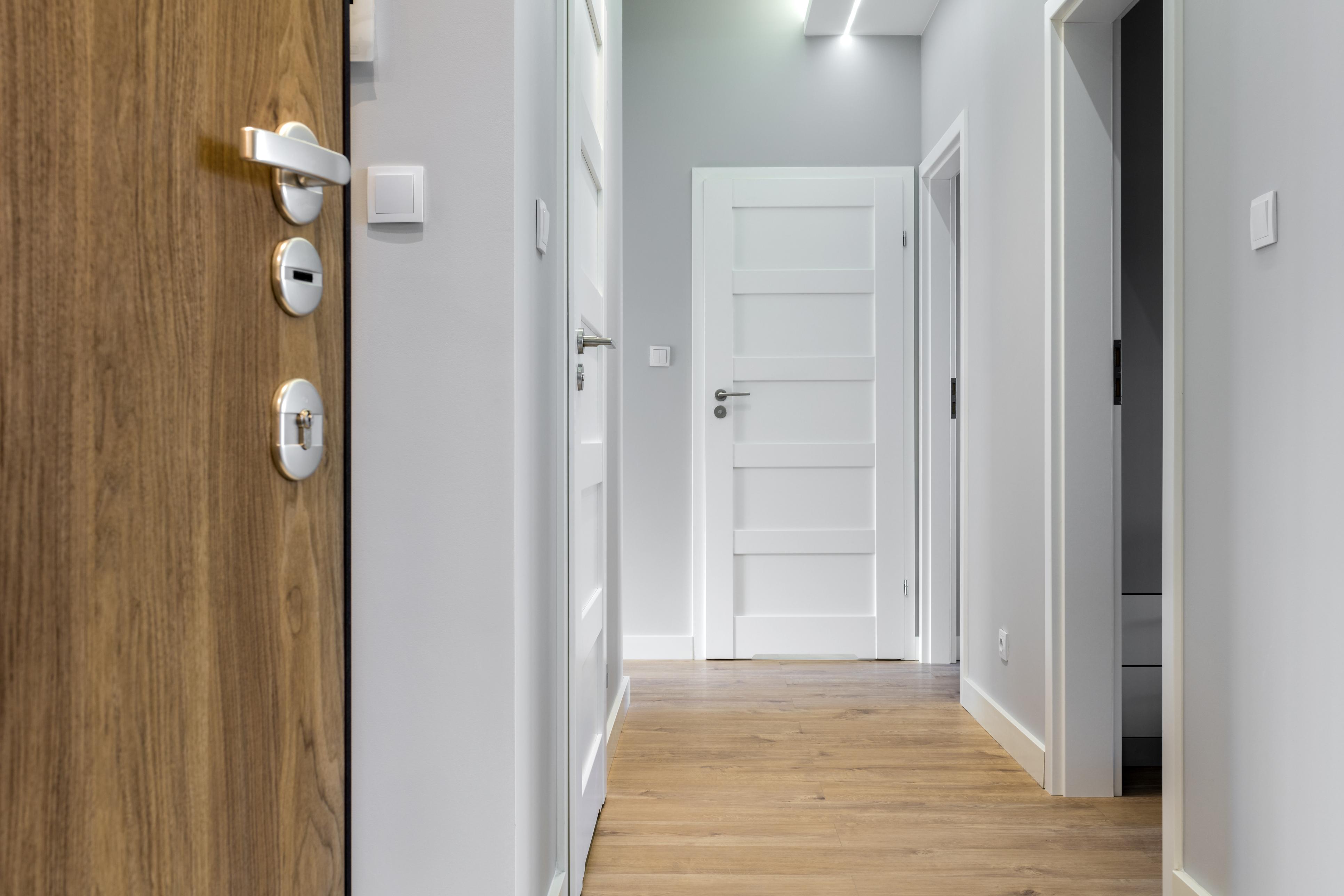 Instalación de puertas de interior